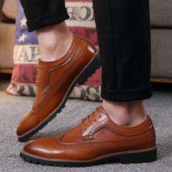 2017 Vintage Leather Men Dress Shoes Business Formal Brogue PointedToe Carved Oxfords Wedding Shoes