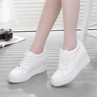 The new increase in women shoes increased the casual shoes sportsshoes sneakers