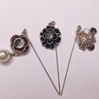 ZAWARA HIJAB PINS BLACK FLOWER