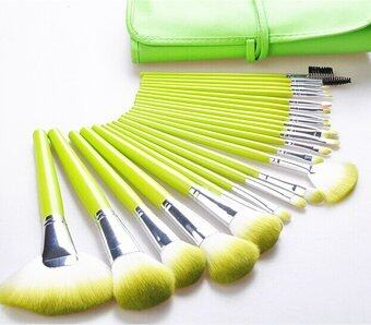 Harga Make-up For You Premium Kabuki Makeup Brush Set CosmeticsFoundation blending blush 24 PCS Set (Green)