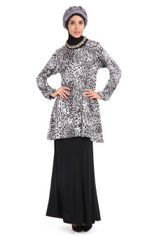 Harga Aqeela Muslimah Wear Leopard Layer Top Black
